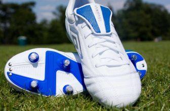 Best-shoes-for-Kickball